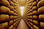 Experiência gastronômica em Bolonha: visita à fábrica com almoço gourmet e degustação de vinho