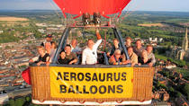 Hot Air Balloon Champagne Flight from Salisbury, ソールズベリー