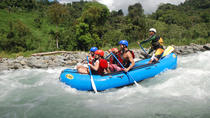 Rafting en aguas bravas, Playa Hermosa, White Water Rafting