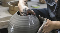 Bizen Ware Pottery Lesson with a Craftsman in Okayama, Okayama