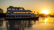 Sunset Cruise on the Zambezi River, Victoriawatervallen