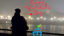 70 minutes romantic boat cruise on Valentine's day in Budapest, Boedapest