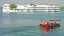 Experience boat cruise at dusk with a stroll in the local market, Udaipur, Market Tours