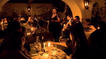 Spectacle de fado dans la Lisbonne authentique et excursion avec dîner et boissons, Lisbon, Dinner Theater