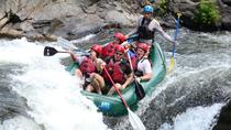 Whitewater Rafting Class III e IV, Tamarindo, Rafting sulle rapide