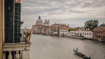 Gondola Ride and Aperitif in a Venetian Palace