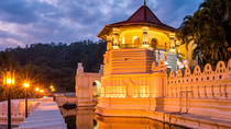 Private Kandy City Tour Including Peradeniya Royal Botanical Gardens, Colombo, Private Day Trips