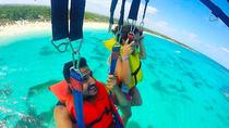 Fun-Paket Parasailing & Party Boot Von Punta Cana, Punta Cana