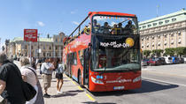 Kustexcursie: rode bussen met hop-on hop-off pas, Stockholm, Cruises langs havensteden