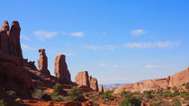 Arches National Park Backcountry Solitaire Hike, Moab, Hiking & Camping