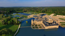 Château de Chantilly Tour from Paris Including the Great Stables of the Prince de Conde and a ...