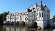 Small-Group Day Tour of Loire Valley: Chenonceau Amboise and Clos Lucé with Wine Tasting from...