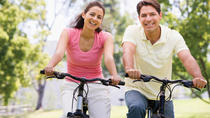 Independent Bike Tour of Niagara-on-the-Lake Wineries Including Wine Tastings, Niagara Falls & ...