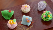 Wagashi Making at a Private Home in Tokyo, Tokyo, Cooking Classes