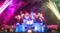 Daily Group Tour: Disneyland Admission With Hotel 2-Way Transfer from Hong Kong Island, Hong Kong, ...