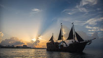 Jolly Roger Pirate Night Show und Abendessen, Cancun, Dinner Cruises