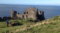 Private Tour: Giant's Causeway, normannische Schlösser und Game of Thrones-Drehorte, Belfast, ...