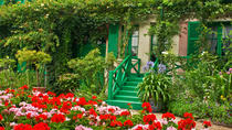 Palace of Versailles and Giverny Day Trip from Paris with Lunch