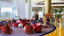 Arabesque Afternoon Tea at Sahn Eddar Lobby Lounge in Burj Al Arab with Private Transfers, ドバイ