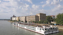 Budapest Shared Transfer: Hotels to Budapest Pier, Budapest