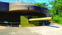 WWII Historical Tour of Darwin Including Harbor Cruise
