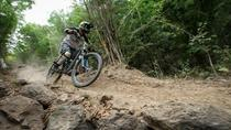 Halve dag Hua Hin Downhill Mountain Biking Tour, Golf van Thailand