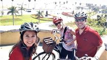 Half-Day Bike, Boat, and Food Tour of Lima, Peru including Lunch and Craft Beer, リマ