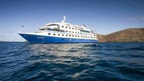 5-Day Galapagos Island Cruise: Western Itinerary Aboard 'Santa Cruz II', Galapagos Islands,...