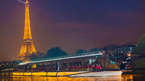 Bateaux Mouches: Silvester-Bootsfahrt mit Abendessen und Party, Paris, New Years