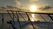 Wine Tasting in a Sunset Boat Trip with Food Pairing, Cancun, Wine Tasting & Winery Tours