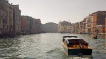 Private Tour: Venice Grand Canal Evening Boat Tour, Venetië