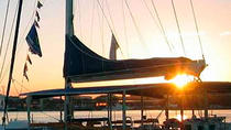 Sunset Cruise Party with Tapas Dinner in Valencia