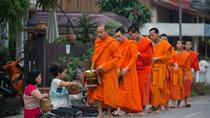 Almsgiving Ceremony in Luang Prabang with a Local Guide, Luang Prabang, Cultural Tours