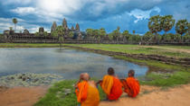 Angkor Temples Tour and Overnight Buddhist Monastery Stay, Siem Reap, Day Trips