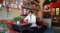 Beijing WTown Sightseeing and Handicraft Tour with Lunch and Oar Boat Ride , Beijing, Private Day...