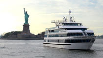 Dinercruise New York City Lights met optionele upgrade voor een tafel aan het raam, New York City, Dinercruises