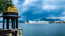 Evening Excursion: Bagore Ki Haveli & Lake Fatehsagar with Dinner, Udaipur, Bike & Mountain Bike ...
