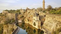 Transfer From Udaipur To Jaipur with En-Route Chittorgarh Fort Excursion, Udaipur, Classic Car Tours