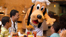 Café da manhã ou jantar no dia de Natal no Chef Mickey's na Walt Disney World® Resort, Orlando, Dining Experiences