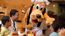 Kerstdagontbijt of -diner bij Chef Mickey's in Walt Disney World® Resort, Orlando, Culinaire ervaringen