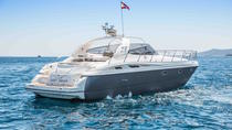 Luxury Yacht Private Charter to Es Vedra, イビサ島