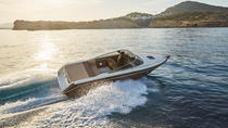 Private Boat Cranchi 26 and Skipper Hire in Ibiza, イビサ島