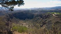 Trekking to the Caldera de Bandama in Gran Canaria, Gran Canaria