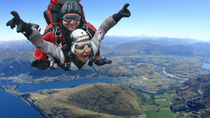 Salto de paraquedas em Queenstown, Queenstown, Adrenaline & Extreme