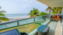 4-Day Relaxation at a Beach Front Accommodation with Transport from Panama City, パナマ市