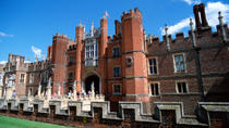 Private Tour: Hampton Court Palace Walking Tour with Historian Guide, London, Day Trips