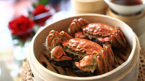 Yangcheng Lake Hairy Crab Gourmet Tour with Zhouzhuang or Tongli Visit from Shanghai, 上海