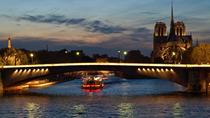 Privat tur: romantisk elvecruise på Seinen med middag og kveldsbelysningstur, Paris, Private Sightseeing Tours