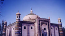 All Inclusive Day Tour in Kashgar including Apa Hoja Tomb, Id Ghar Mosque and Grand Bazaar, Kashi, ...