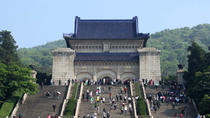 Private Nanjing Day Tour to Sun Yat-Sen's Mausoleum, Ming Xiaoling Tomb and Confucius Temple, ...